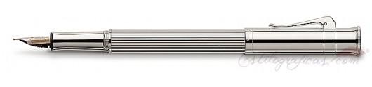 Estilográfica Graf von Faber-Castell Clásica Platino