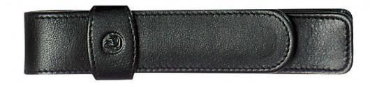 Estuche de cuero negro Pelikan para un instrumento.