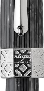 Detalle del capuchón de la estilográfica Extra Otto Shiny Lines