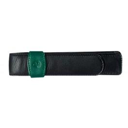 Estuche de cuero negro y verde Pelikan para un instrumento.