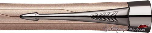 Detalle del bolígrafo Parker Urban Premium rosa metálico