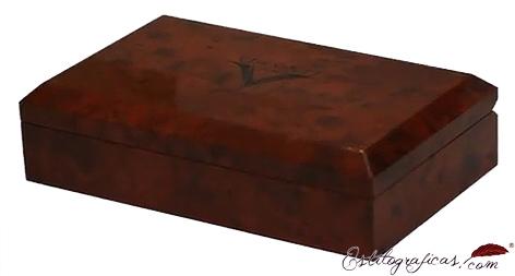 Caja de madera de Divina Desert Springs