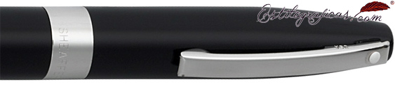 Detalle de bolígrafo negro de la colección Legacy Heritage de Sheaffer