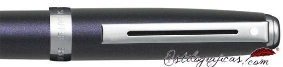 Detalle del bolígrafo Sheaffer Prelude violeta purpurina y detalles niquelados
