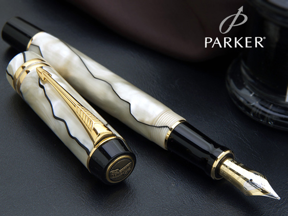 Parker Duofold Pearl & Black International