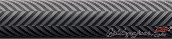 Detalle de grabado de portaminas Guilloche Ciselé gris antracita