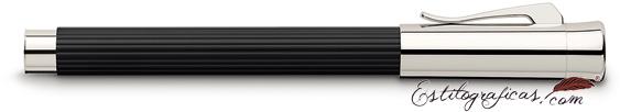 Pluma estilográfica Graf von Faber-Castell Initio negra cerrada