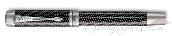 Estilográfica Parker Duofold Prestige Negro Chevron cerrada