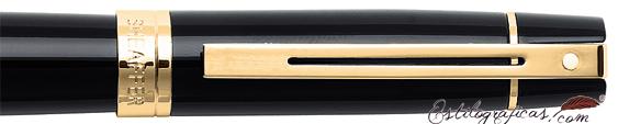 Detalle de las plumas estilográficas Gift 300 Negro y Dorado de Sheaffer