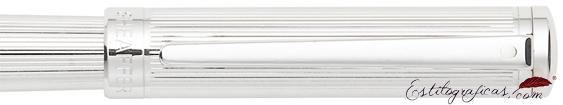 Detalle de pluma estilográfica Intensity Cromo rayado de Sheaffer