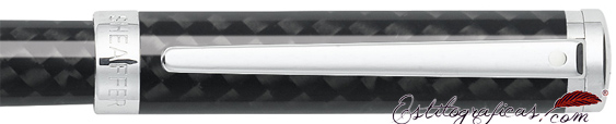 Detalle de pluma estilográfica Intensity fibra de carbono