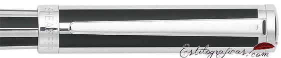 Detalle de pluma estilográfica Intensity negro azabache