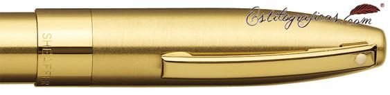 Detalle de punto blanco, capuchón y clip de pluma estilográfica oro de Sheaffer