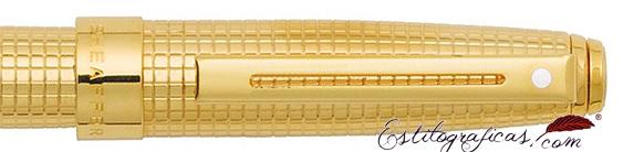 Detalle de pluma estilográfica Prelude Signature bañada en oro de Sheaffer