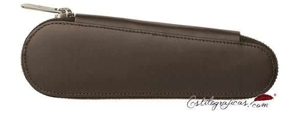 Estuche con cremallera Faber-Castell de piel marrón para dos útiles 188361