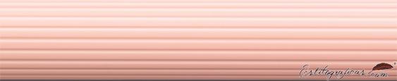 Detalle de grabado de portaminas Initio rosa