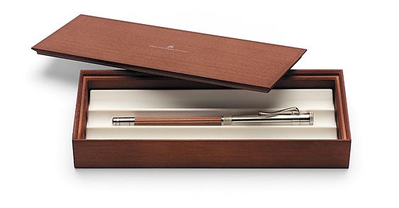 Caja presentación Lápiz Perfecto baño de Platino y Cedro marrón Graf von Faber-Castell