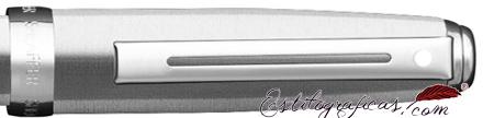 Detalle de pluma estilográfica Prelude cromo bruñido con detalles niquelados