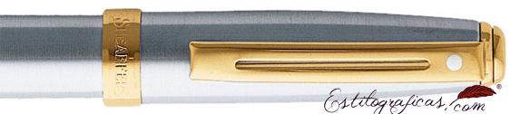 Detalle de pluma estilográfica Prelude cromo bruñido con detalles dorados