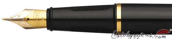 Plumín de pluma estilográfica Prelude laca negra brillante y adornos en oro de Sheaffer