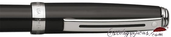 Detalle del roller Prelude laca negra con adornos niquelados