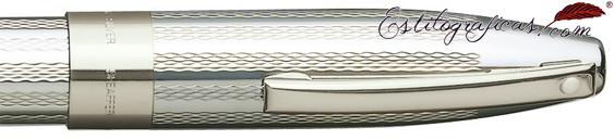 Rollerball en plata de ley, con gabado grano de cebada de la colección Legacy Heritage de Sheaffer